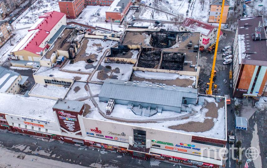 25 марта в результате пожара в кемеровском торговом центре «Зимняя вишня», по данным на 27 марта, погибли 64 человека, из них 41 ребенок. Еще 67 человек пострадали. Фото AFP