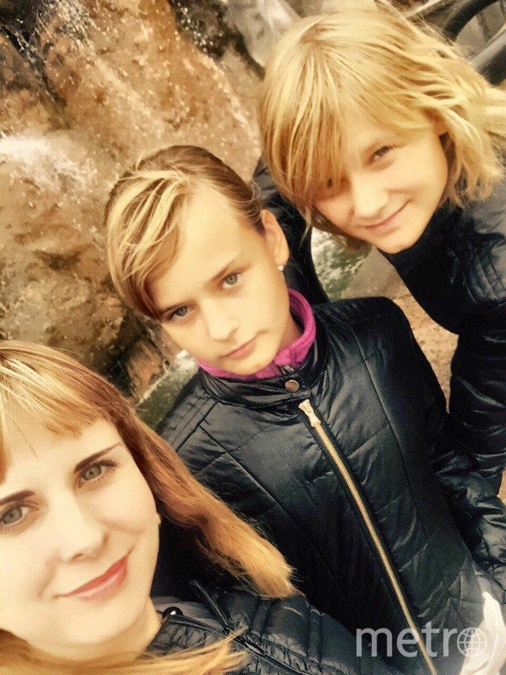 Мама Подтыканова Татьяна Борисовна и дочери Светлана и Екатерина. Фото Татьяна