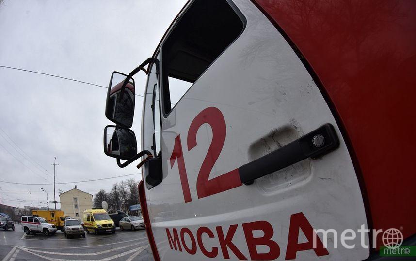 """Пожарный автомобиль в Москве. Фото Василий Кузьмичёнок, """"Metro"""""""