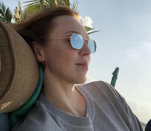 Альбина Джанабаева, фотоархив. Фото все - скриншот instagram.com/albinadzhanabaeva/ instagram.com/meladze.ru/