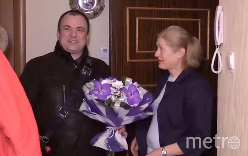 Вгодовщину теракта вметро петербуржцы возлагают цветы у«Технологического института»