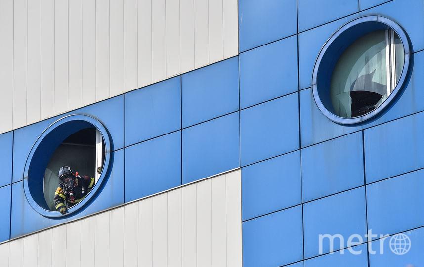"""Из горящего ТЦ """"Персей для детей"""" в Москве спасли 20 человек. Фото AFP"""