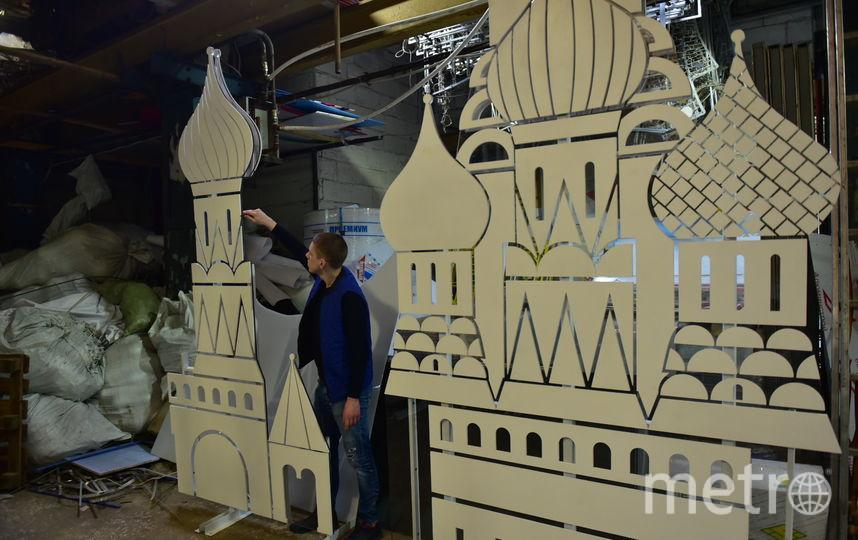 Скоро из мастерской этот храм переедет на Тверскую площадь. Фото Василий Кузьмичёнок