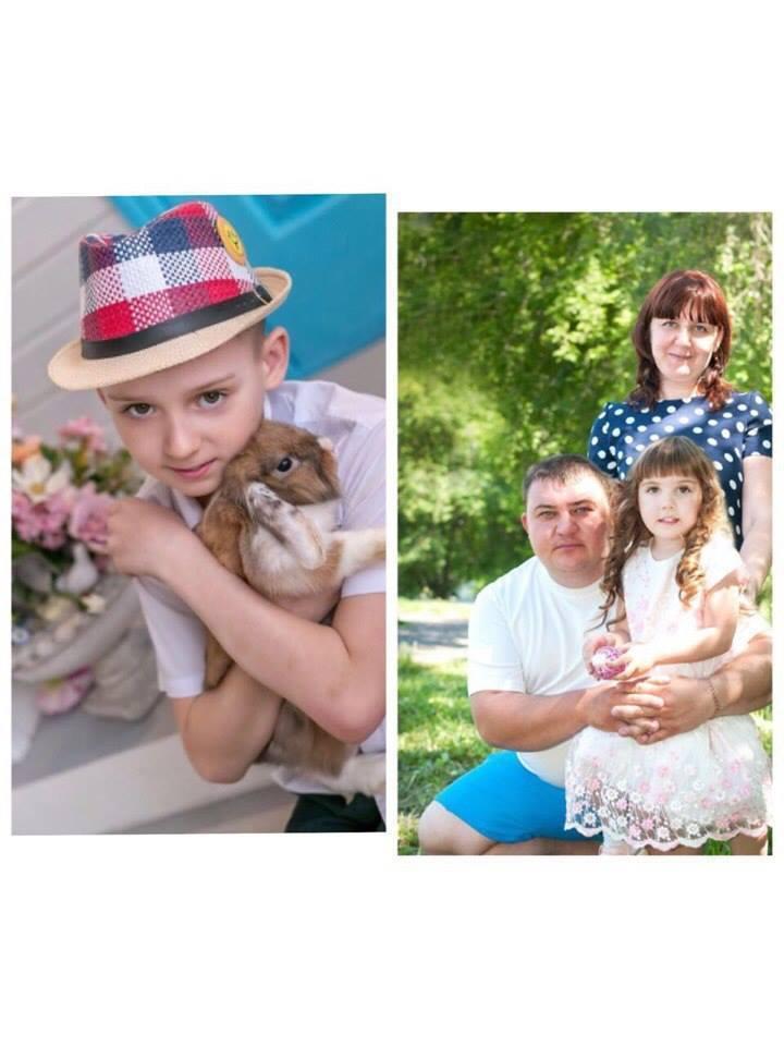 Слева – Серёжа, справа – его семья. Фото предоставила Наталья Пузикова