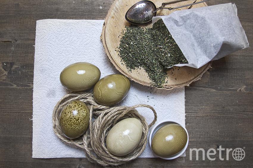 """Для получения зелёного цвета для яиц понадобися сушеная крапива. Фото Анна Тихонова, """"Metro"""""""