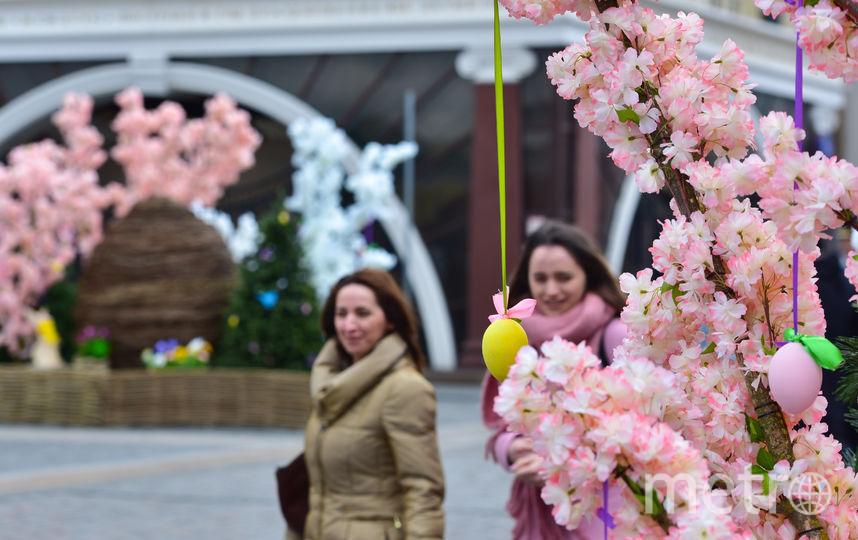 Центр Москвы уже украшен к празднику. Фото Василий Кузьмичёнок