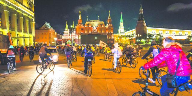 Велоночь в музее – 12 городов Земли.