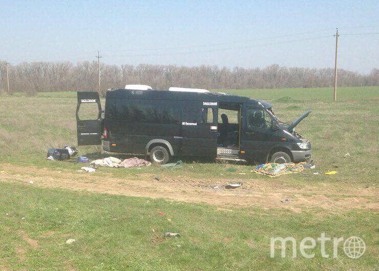 В Крыму произошло смертельное ДТП - на железнодорожном переезде столкнулись электричка и микроавтобус. Фото https://82.мвд.рф/