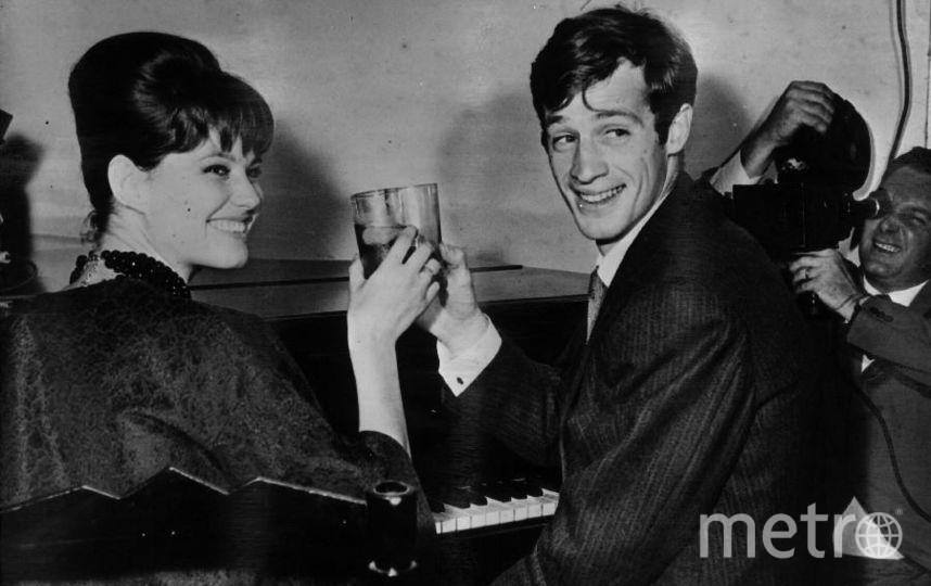 Жан-Поль Бельмондо c актрисой Клаудией Кардинале. 1960 год. Фото Getty