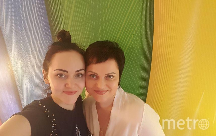 Меня зовут Катя Орлова и это моя мамочка Татьяна. Я, если что, слева! Фото Екатерина