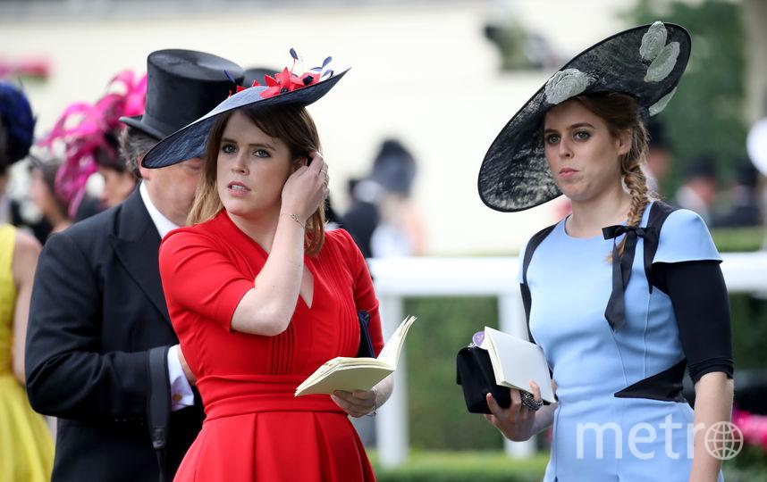 Принцессы Евгения (слева) и Беатрис (справа). Фото Getty