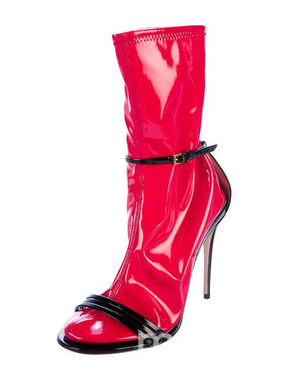 Туфли с носками. Фото Getty