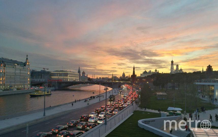 Основная причина аварий на московских дорогах - превышение скорости. Фото Алина Данг.