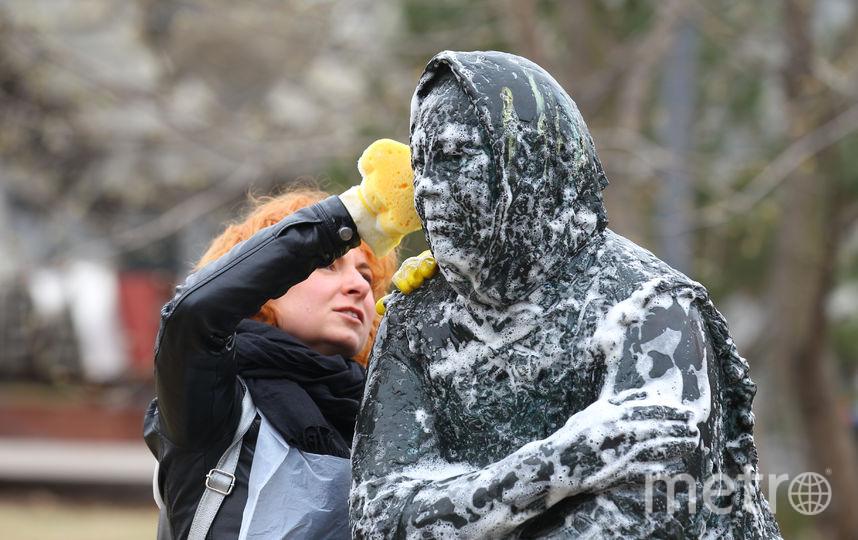 """Прошлогодний помывочный субботник. Фото Василий Кузьмичёнок, """"Metro"""""""