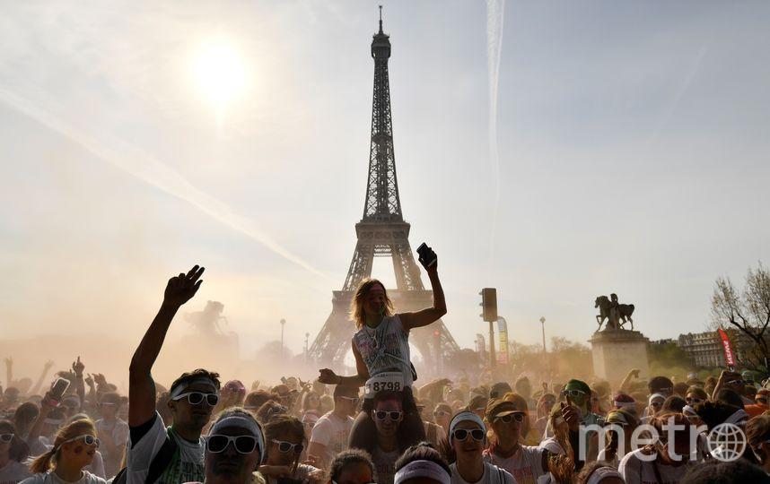 Участвовать в массовом цветном забеге могут и дети, и взрослые. Фото AFP
