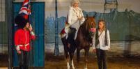 Главные роли в спектакле достались лошадям из уникального театра