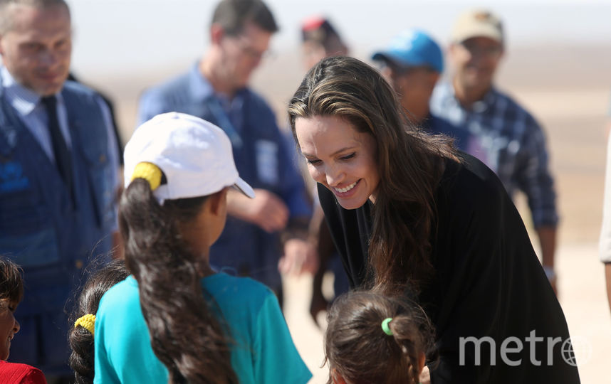 Анджелина Джоли известна своей давней любовью к черному. Фото Getty