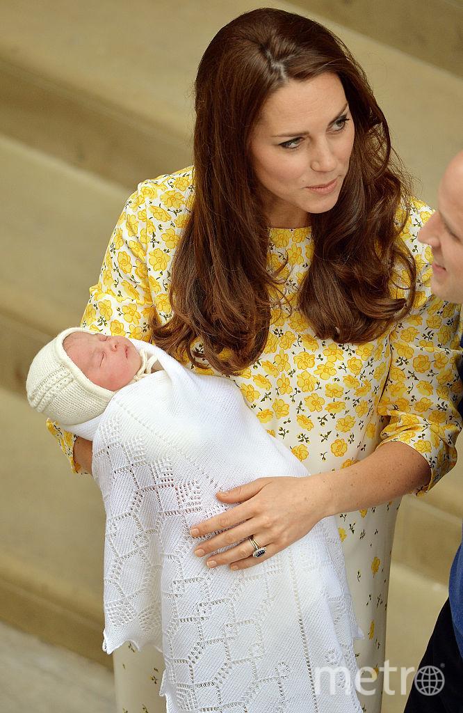 Кейт Миддлтон с новорожденной дочерью Шарлоттой, май, 2015. Фотоархив. Фото Getty