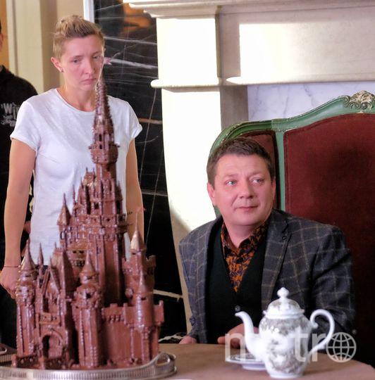 """Автор знаменитой книги """"Любовь живет три года"""" снялся в русском кино."""