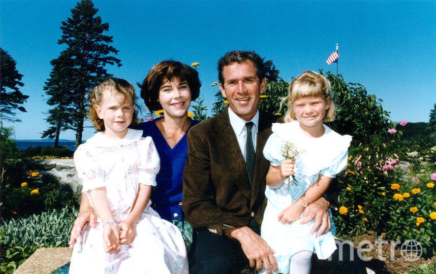 Архивные фото Барбары Буш с мужем и детьми. Фото Getty