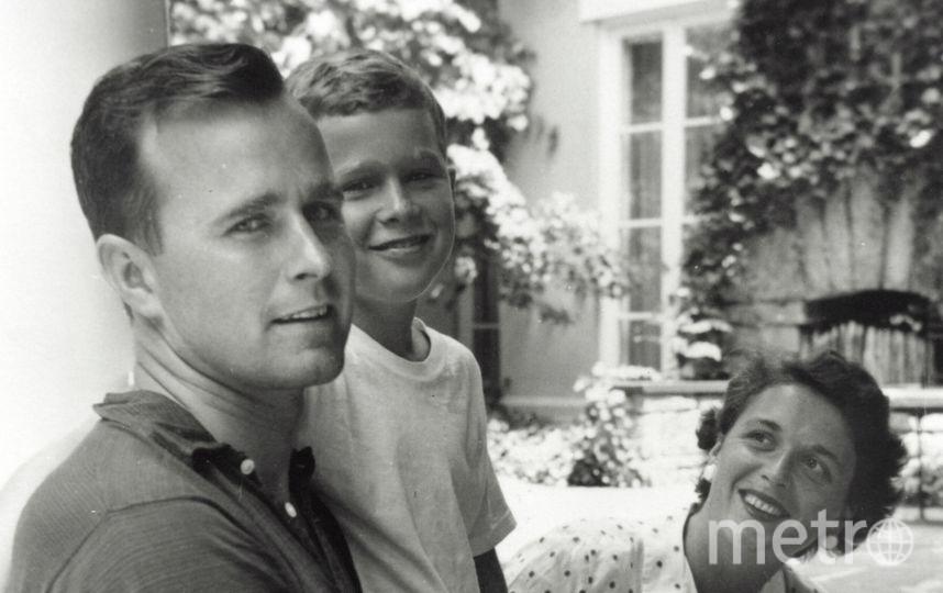 Архивные фото Барбары Буш с мужем и сыном - Джорджем Бушем-младшим. Фото Getty
