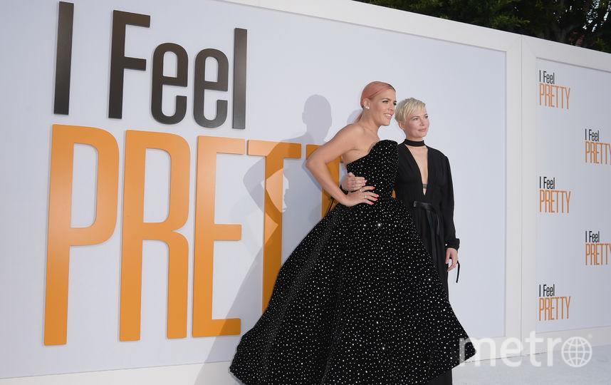 "На показе фильма ""Красотка на всю голову""/ I Feel Pretty. Бизи Филлипс и Мишель Уильямс. Фото Getty"