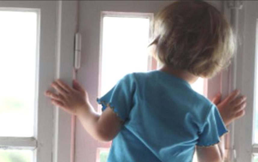 Пятилетний сын священника выпал из окна в Петербурге. Фото Getty