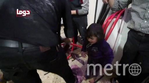 Кадры, сделанные во время постановочных съёмок в сирийской Думе. Фото AFP