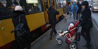 В метро запретят перевозить детей в колясках