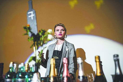Фестиваль вина. Леди поделятся отзывами о любимых винах, расскажут о тонкостях их создания и познакомят с изысканными напитками. Фото Предоставлено организаторами