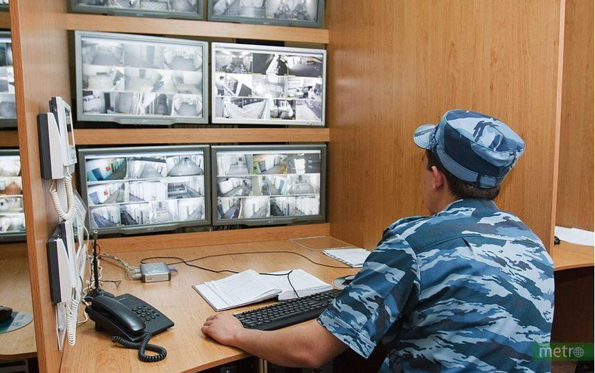 Выборгский суд Санкт-Петербурга взял под стражу двух уроженцев Киргизии, подозреваемых в причастности к террористической группировке. Фото Василий Кузьмичёнок