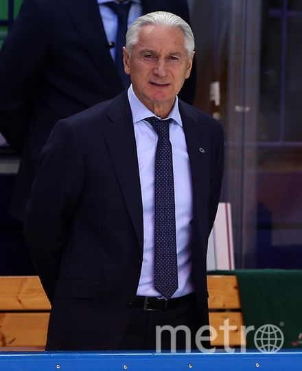 Он стал первым тренером, который трижды выиграл трофей с одним клубом. Фото photo.khl.ru