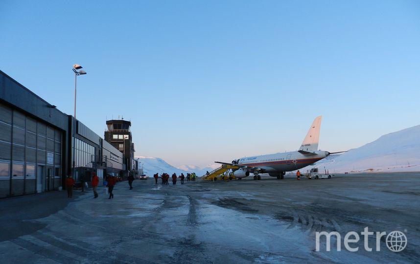 "Sukhoi Superjet 100, который привёз нас на Шпицберген. Фото Виктор Олейник, ""Metro"""