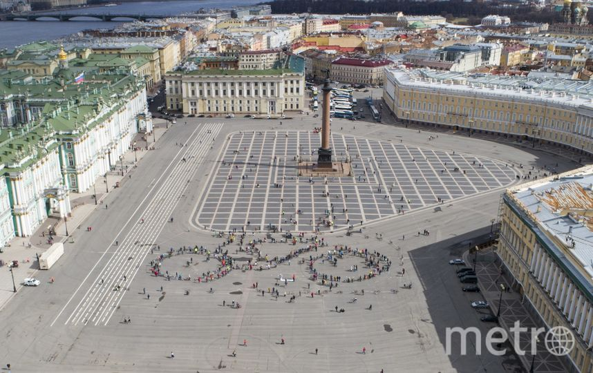Флешмоб прошёл в полдень. Фото  Михаил Евстратов | предоставлено организаторами