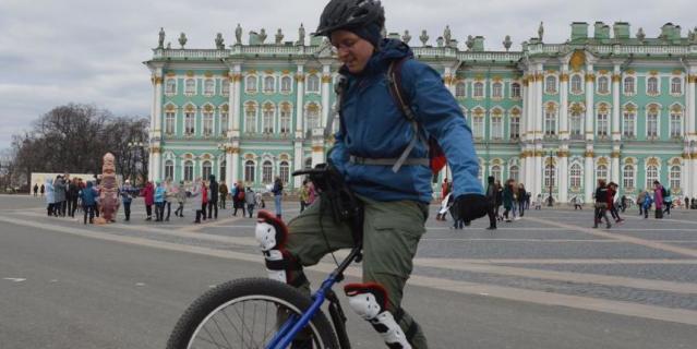 Дмитрий, 31 год, программист.