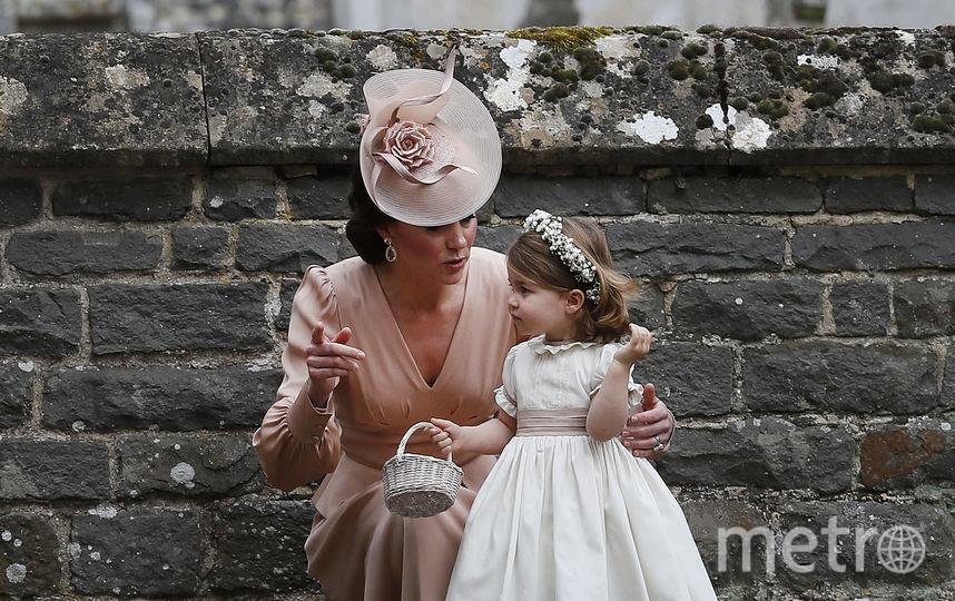 Кейт Миддлтон с Шарлоттой на свадьбе у сестры Пиппы Миддлтон. Фото Getty