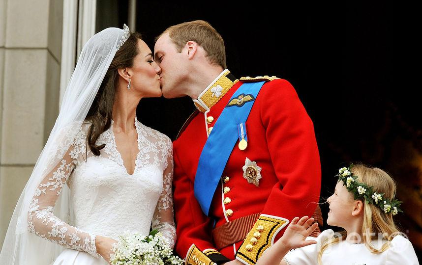 Кейт Миддлтон и принц Уильям, свадьба, 2011 год. Фото AFP