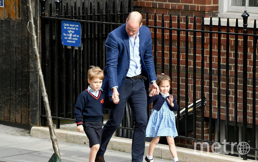 Принца Джорджа и принцессу Шарлотту познакомили с братиком. Фото Getty