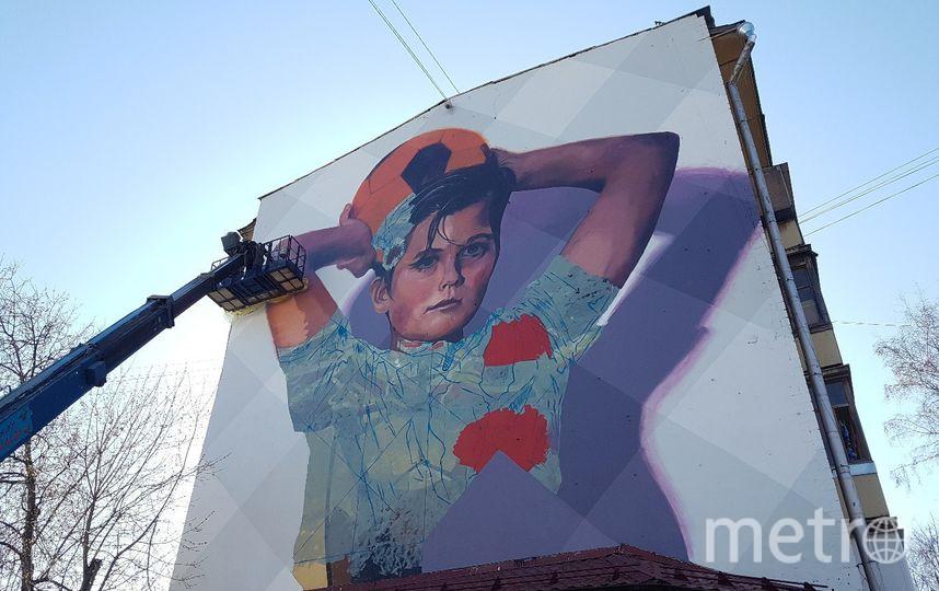 """5  мая в Москве появится  ещё одна работа Мартина Рона на тему футбола. Фото Василий Кузьмичёнок, """"Metro"""""""