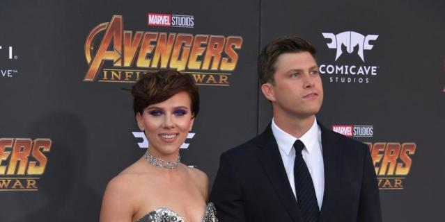 """на премьере фильма """"Мстители: Война бесконечности"""". Скарлетт Йоханссон с новым бойфрендом."""