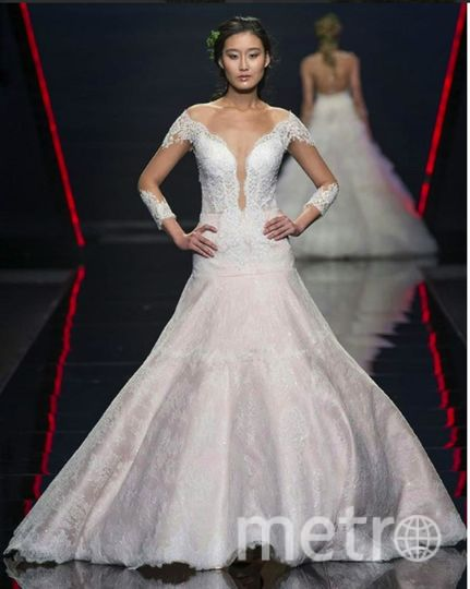 Платья невест показали на Barcelona Bridal Week 2018. Фото https://www.instagram.com/pronovias/