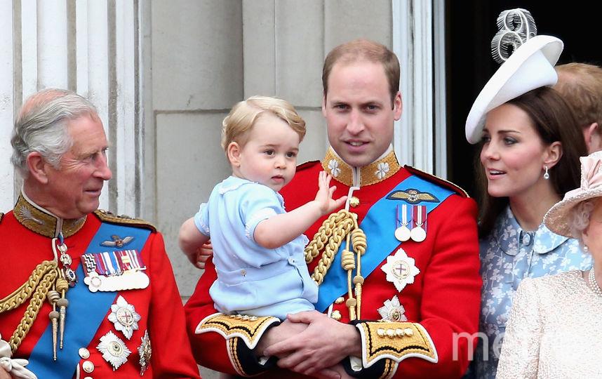 Принц Чарльз, Кэтрин и принц Уильям с принцем Джорджем, архив. Фото Getty