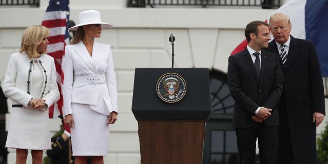 Дональд Трамп принимает с визитом президента Франции.