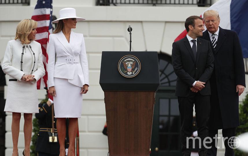 Юбку Мелании и ее шляпа обсуждают в Сети. Фото Getty