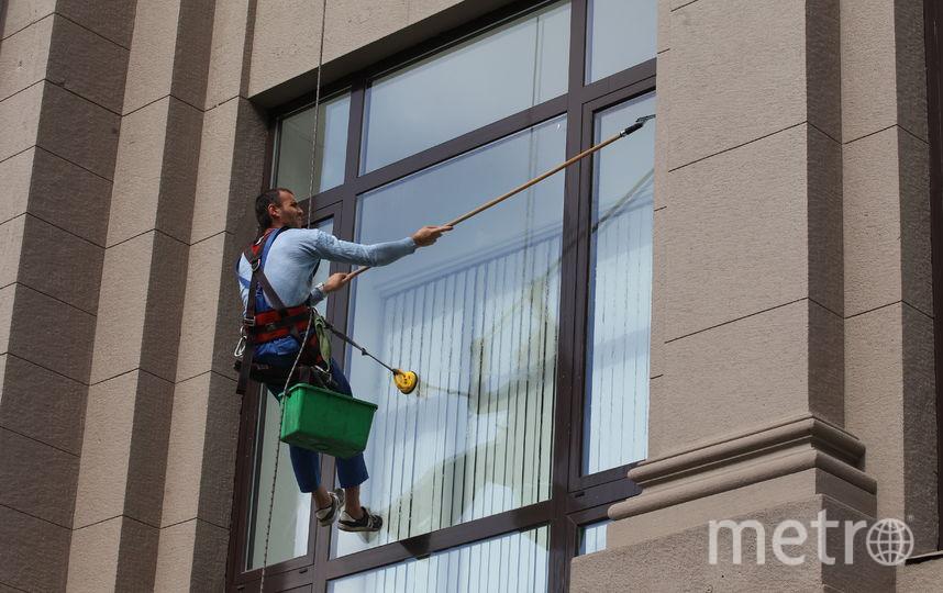 Во сколько москвичам обойдутся самые популярные услуги по уборке. Фото Василий Кузьмичёнок
