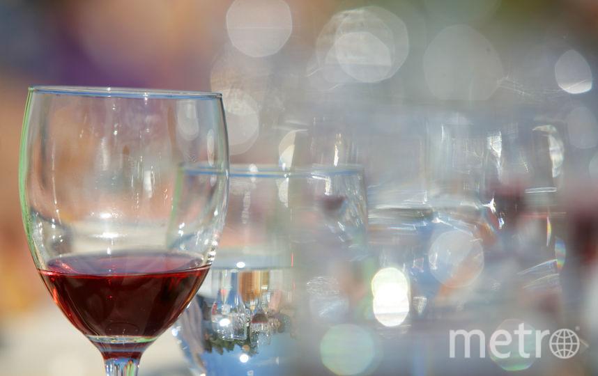 У постоянно пьющих людей были обнаружены изменения микрофлоры и увеличение количества таких бактерий, как Bacteroidales, Actinomyces и Neisseria. Фото Getty