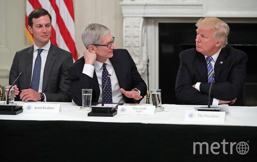 Дональд Трамп и Тим Кук. Фото Getty