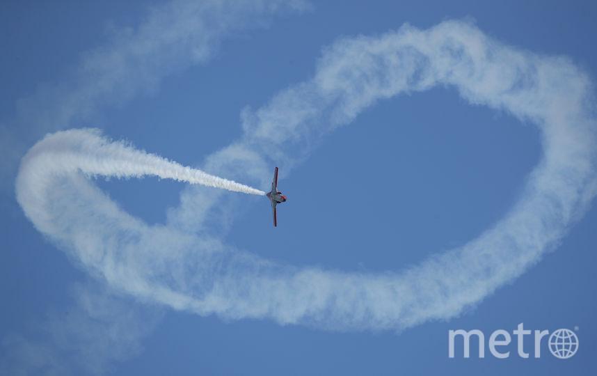 ILA Berlin Air Show 2018. Испанские летчики устроили шоу в первый день авиасалона. Фото Getty
