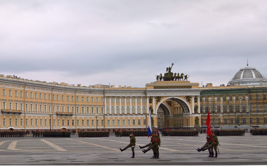 Репетиция парада на Дворцовой 24 апреля. Фото instagram.com/tessa113a