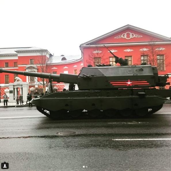 Бронетехника проехала по Москве перед Парадом Победы. Фото https://www.instagram.com/londongirl65/